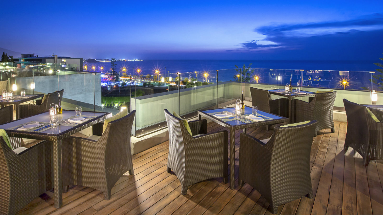 L'Onda Restaurant featuring Italian cuisine with amazing views to the sea at the Sheraton Rhodes Resort.